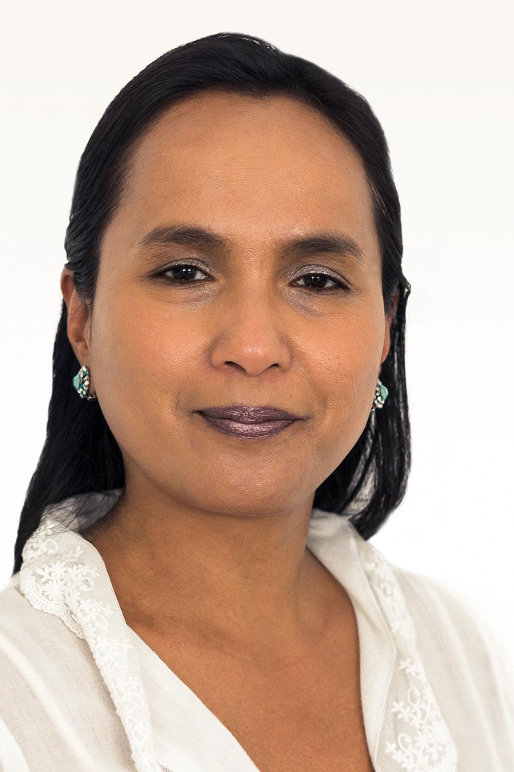 Saholy Nanahary-Robertson